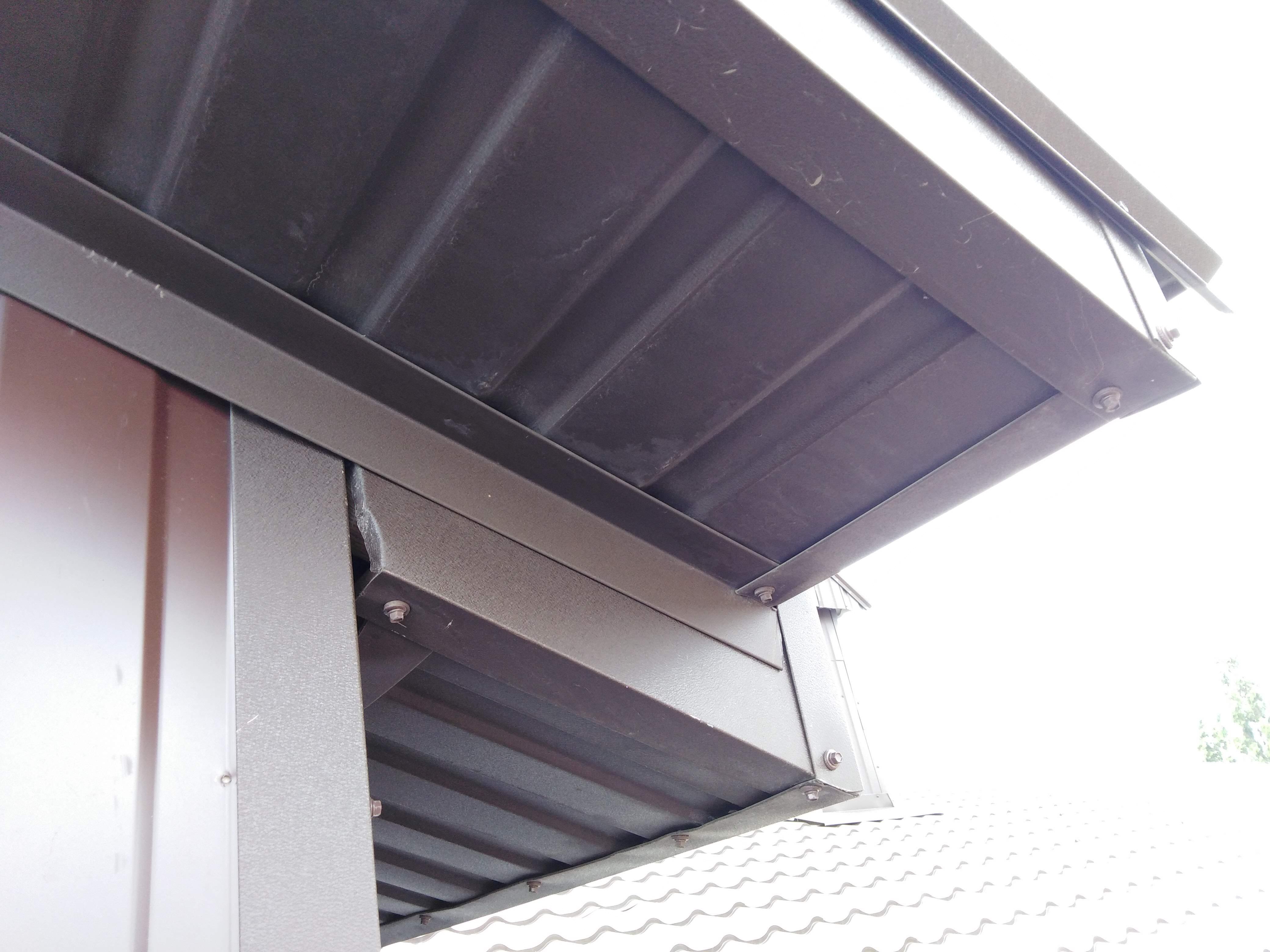 Подшивка крыши профлистом